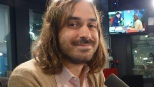 Matías Piñeiro en los estudios de RFI