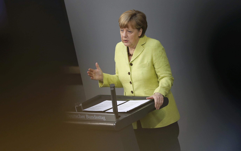 A chanceler alemã, Angela Merkel, durante discurso aos deputados no Parlamento alemão.
