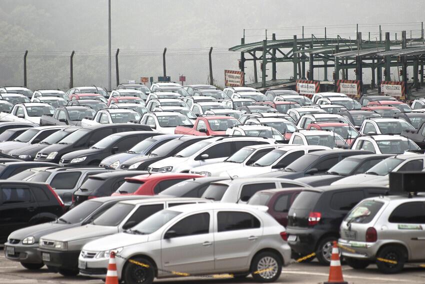 Brasil pode passar a produzir veículos leves movidos a óleo diesel.