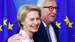 欧盟委员会主席容克与继任者冯德莱恩资料图片