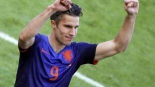 Van Persie, jogador holandês, feliz com a vitória perante a Austrália