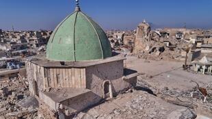 La mosquée al-Nouri, de culte sunnite, à Mossoul, en Irak, au minaret millénaire.