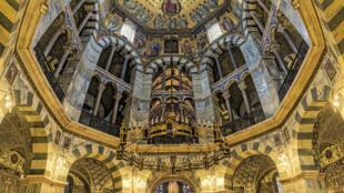 亚琛大教堂内部