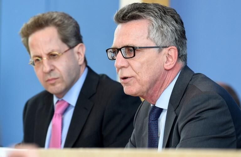 Ảnh minh họa. Bộ trưởng Nội Vụ Đức Thomas de Maiziere (phải) và lãnh đạo cơ quan tình báo nội địa Hans-Georg Maassen tại Berlin, ngày 28/06/2016
