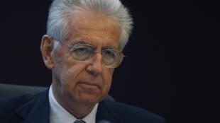 O premiê Mario Monti condenou os atos de violência dos últimos dias contra as agências do fisco italiano.