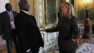 Rais Museveni akimpokea waziri wa mambo ya nje wa Marekani