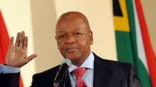 Jeff Radebe, le ministre sud-africain de la Justice, ici en mai 2009, assure détenir des preuves à l'encontre des diplomates rwandais expulsés..