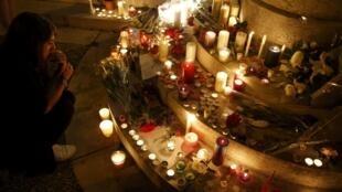 Homenagens ao Padre Jacques Hamel em Saint-Etienne-du-Rouvray.