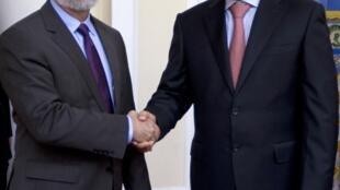 O chanceler brasileiro, Antônio Patriota, encontrou-se com o colega venezuelano Elias Jaua, em Caracas, neste sábado.