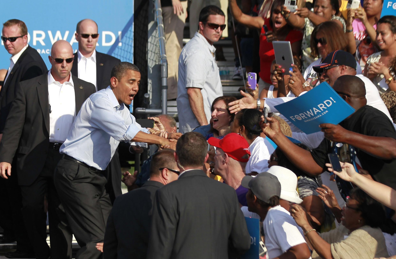 Tổng thống Mỹ Barack Obama và những người ủng hộ trong cuộc vận động tranh cử tại Florida ngày 04/11/2012.