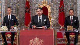 El rey Mohammed VI de Marruecos habló en televisión en el vigésimo aniversario de su reinado.