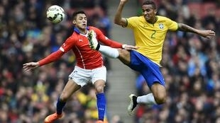 Brasil e Chile se enfrentaram no Emirates Stadium, em Londres. (29/03)
