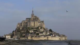 En el célebre Mont Saint Michel francés el mar subirá hasta 14 metros.