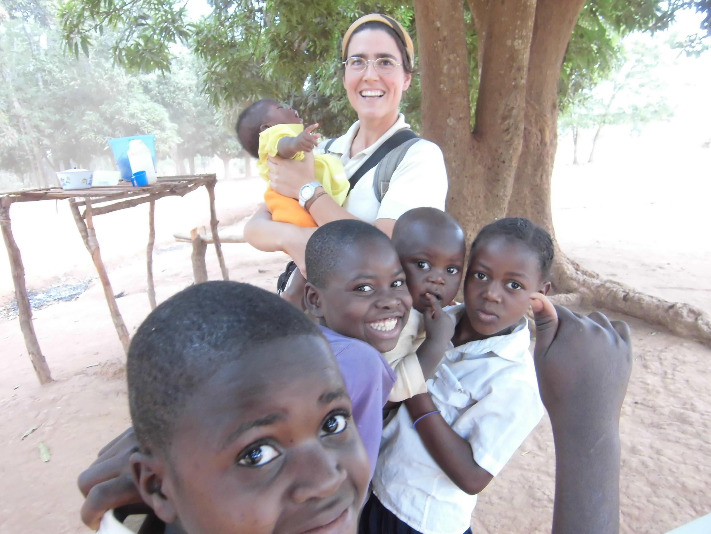 La misionera Victoria Braquehais de la Congregación Pureza de María, en la República democrática del Congo.