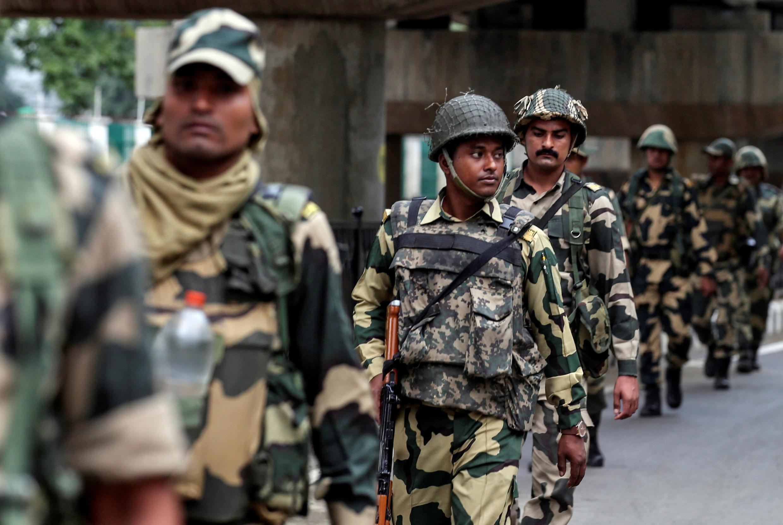 8月7日印度軍人在查謨街頭巡視