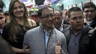 Gustavo Petro, le nouveau maire de Bogota capitale de la Colombie, le 30 octobre 2011.