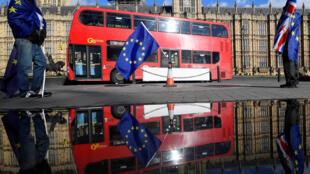 Công dân Anh phản đối Brexit trước Nghị Viện ở Luân Đôn, ngày 28/03/2018.