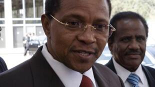 Dans son discours d'adieu, l'ancien président de l'UA, le Tanzanien Jakaya Kikwete, a invité ses pairs à se consacrer davantage au développement économique.