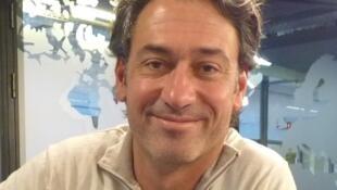 Juanjo Mosalini en los estudios de RFI.