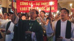Lễ thắp nến cầu nguyện cho luật sư Lê Quốc Quân