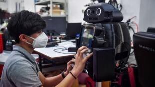 ربات نینجا در تایلند برای شناسایی ویروس کرونا به کار میرود