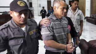 Guatemala: Pedro Pimentel  era un instructor de la fuerza especial 'Kaibil' del ejército  cuando fue perpetrada la masacre de campesinos, entre el 6 y 8 de diciembre de 1982 en la  aldea Dos Erres, departamento de Petén, unos 600 km al norte de la capital.