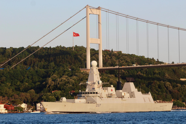 """ناوشکن """"اچاماس دانکن"""" متعلق به نیروی دریایی بریتانیا"""