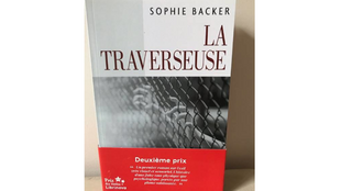 Couverture du livre de Sophie Backer «La traverseuse».