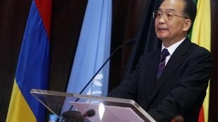 Le Premier ministre chinois Wen Jiabao a proposé  dix milliards de dollars de prêts à taux préférentiel sur trois ans aux pays africains.