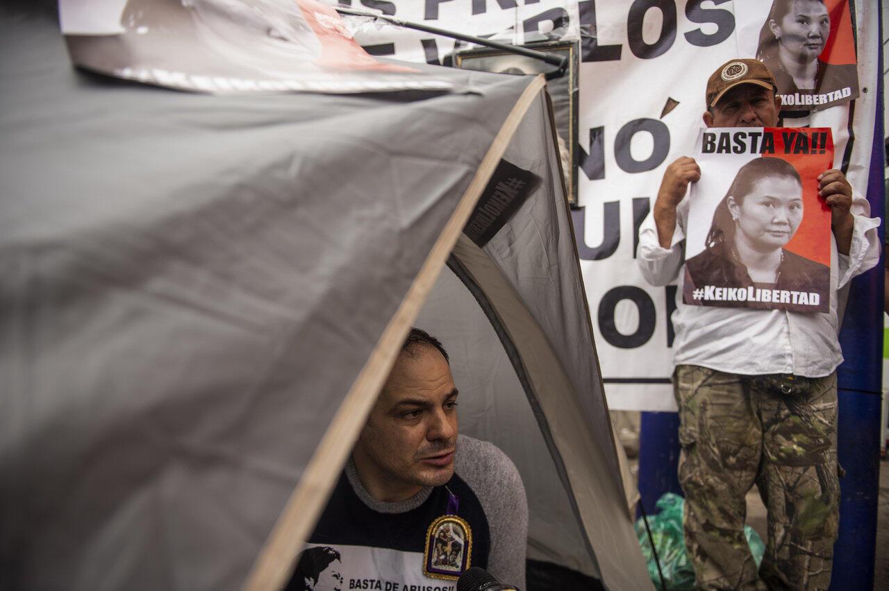 存档图片:2019年11月14日 秘鲁前总统藤森谦也的女婿 Mark Vito, mari de Keiko Fujimori, en grève de la faim. Lima, le 14 novembre 2019.