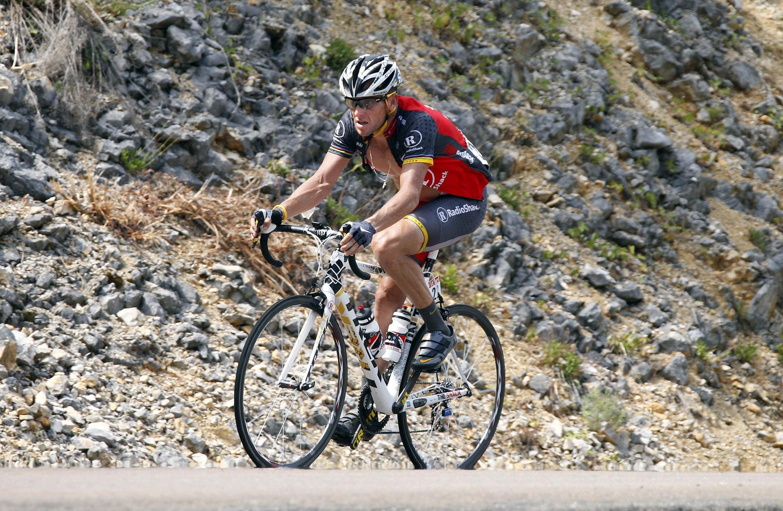 O americano Lance Armstrong durante a oitava etapa da volta a França 2010.