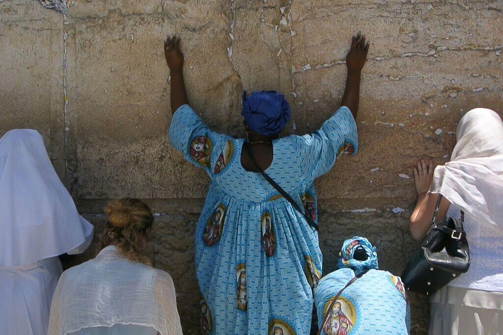 Wall (« Mur »), documentaire de Moran Ifergan.