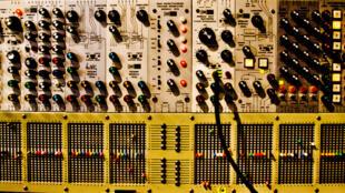 ARP 2500 appartenant à Jean-Michel Jarre. Exposition Électro, de Kraftwerk à Daft Punk à la Philharmonie de Paris.