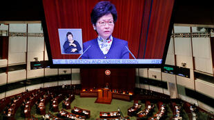资料图片:香港特首林郑月娥2017年5月首次在立法会回答议员提问。
