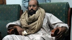 سیف الاسلام، دومین فرزند پسر معمر قذافی، به درخواست قوه قضائیه فرانسه برای شهادت در مورد ﺗﺄﻣﻳﻥ مالی مبارزات انتخاباتی نیکلا سارکوزی در سال ۲۰۰۷ میلادی توسط لیبی پاسخ مثبت داده است. - تصویر آرشیوی