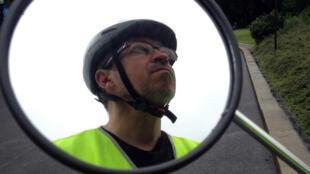 Imposer le port du casque, même s'il est recommandé en ville, risque de décourager la pratique du vélo.