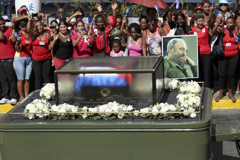 Tro cốt Fidel Castro đã tới Santiago, Cuba, ngày 03/12/2016.