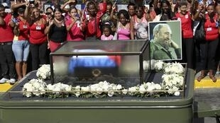 Cinzas de Fidel Castro chegam a Santiago de Cuba neste sábado (3).