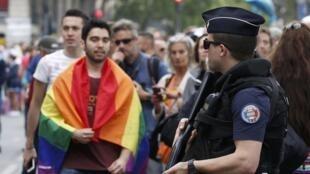 Cette année, la Marche des fiertés était particulièrement sécurisée. Ici, le 2 juillet à Paris.