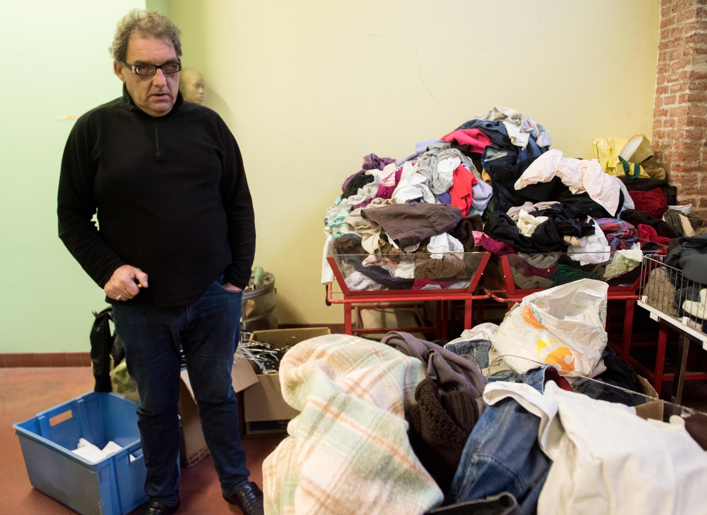 Gilbert Pinteau est un ancien SDF qui a passé 12 ans dans la rue. Il est le fondateur de l'association du collectif des SDF de Lille.