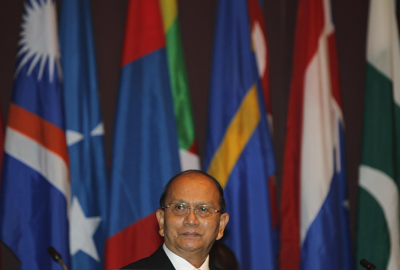Tổng thống Miến Điện Thein Sein tại hội nghị Ủy ban Kinh tế Xã hội châu Á – Thái Bình Dương ở Bangkok ngày 29/04/2013.