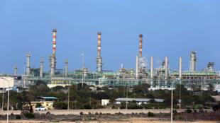 Toàn cảnh tổ hợp hóa dầu và khí đốt Mellitah, thuộc thành phố cảng Zouara (phía tây Libya). Ảnh chụp 6/1/2015. le 6 janvier 2015.
