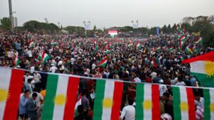 تجمع کردها در حمایت از برگزاری همهپرسی استقلال اقلیم خودگردان کردستان