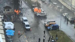 Atentado com carro armadilhado em Izmir, Turquia