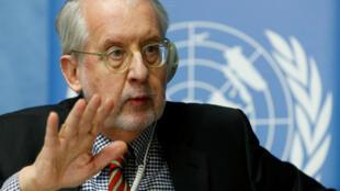 O brasileiro Paulo Sérgio Pinheiro dirige a comissão da ONU