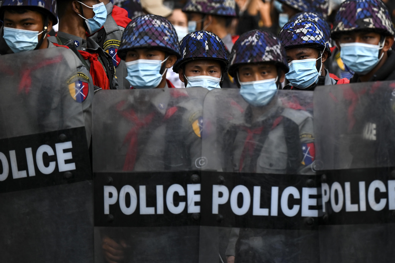 Birmanie - Rangoun - coup d'état - police