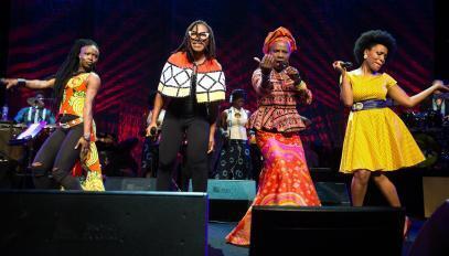 Angélique Kidjo entourée de Dobet Gnahoré, Asa et Lura, à Montreux en 2016.