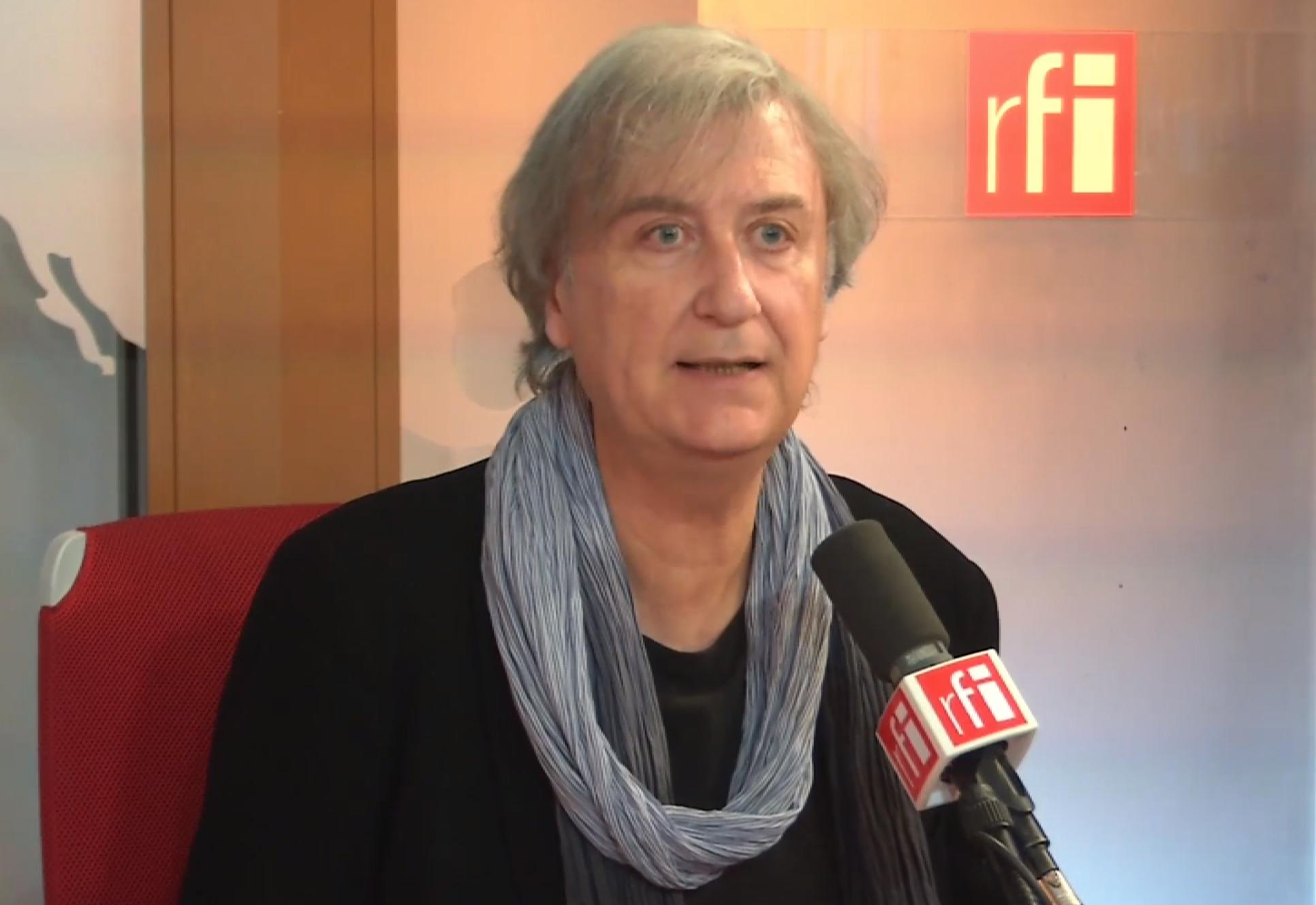 Знаменитый карикатурист Плантю во время интервью в радиостудии RFI 21 сентября 2015 г.