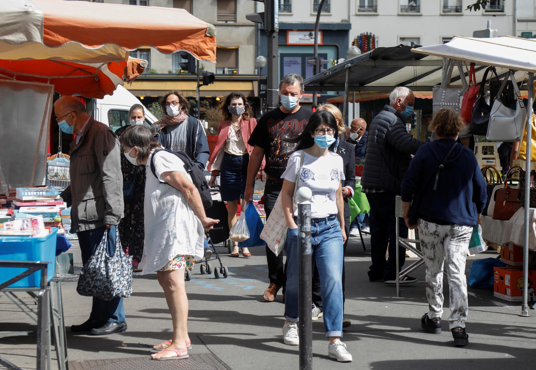 2020-08-29T144352Z_2097560822_RC2QNI94CQMS_RTRMADP_3_HEALTH-CORONAVIRUS-PARIS-MASKS