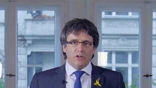 Carles Puigdemont, em seu canal no YouTube, anuncia sua desistência em Berlim